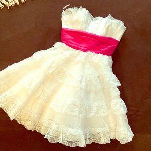 Betsy Johnson White lace dress size 10 (juniors)
